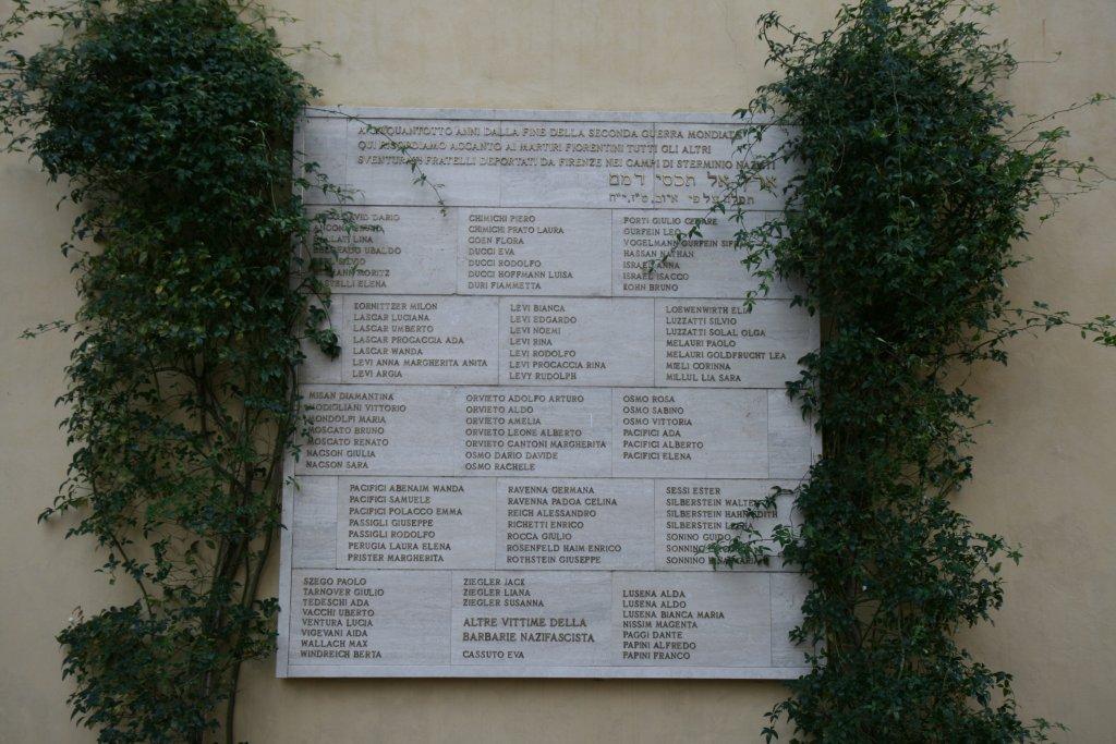Denkmal im Garten der Synagoge (Foto: Baldini)