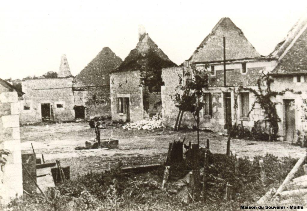 Zerstörtes Maillé, 1945 (© Maison du Souvenir)