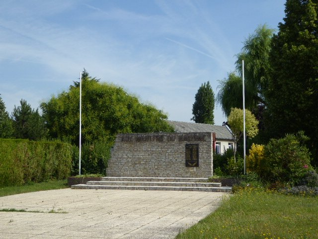Denkmal erschossene Mitglieder der Groupe Chanzy in Saint-Jean-de-la-Ruelle