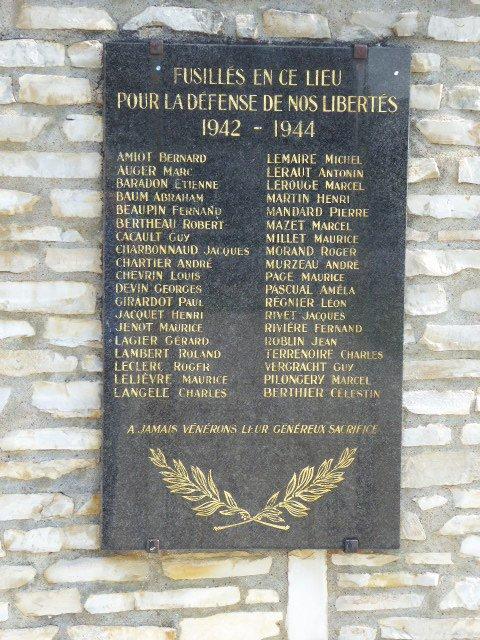 Gedenktafel der 38 Erschossenen