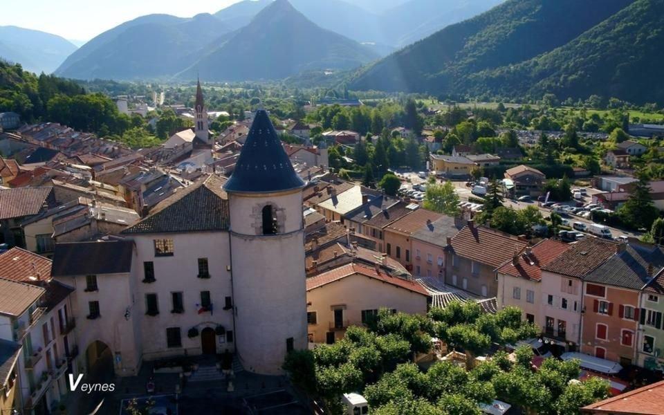 Blick auf Stadt und Umgebung; Quelle: Ville de Veynes