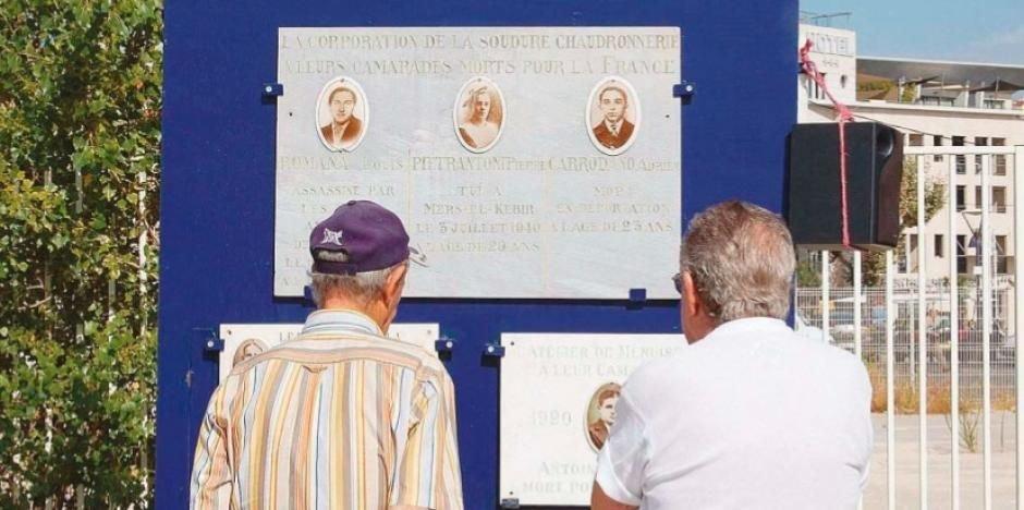Gedenktafel Werftarbeiter; Quelle: La Marseillaise v. 26 August 2014