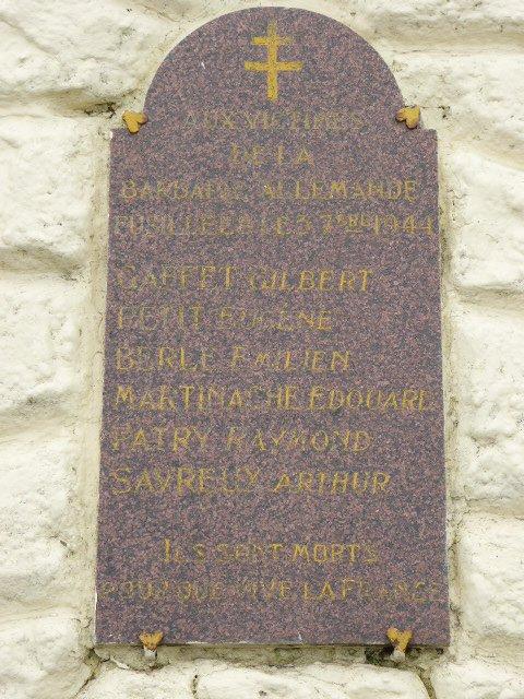 Gedenktafel mit Namen der Opfer