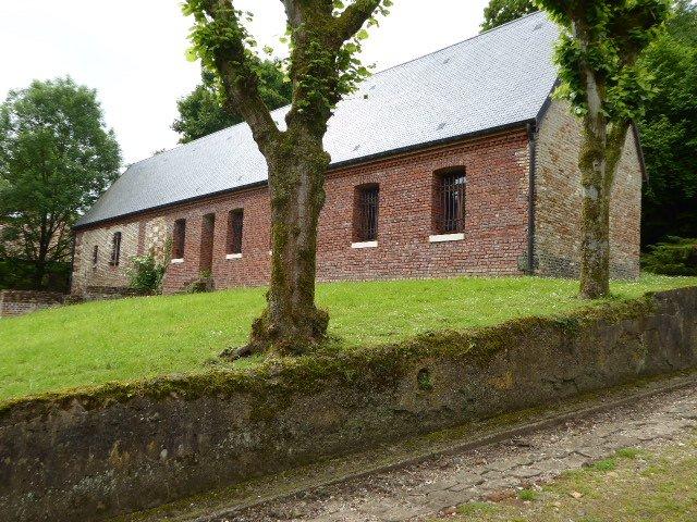 Restaurierte Häftlingsunterkunft