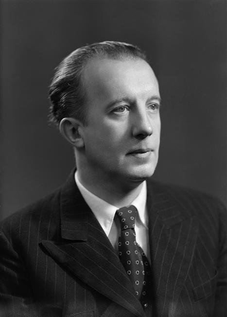 Paul Èluard (1945)
