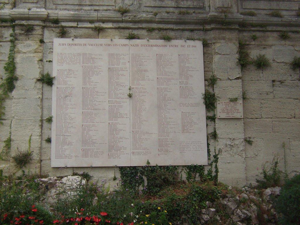 Mémorial Déportation Juifs, Rocher des Doms