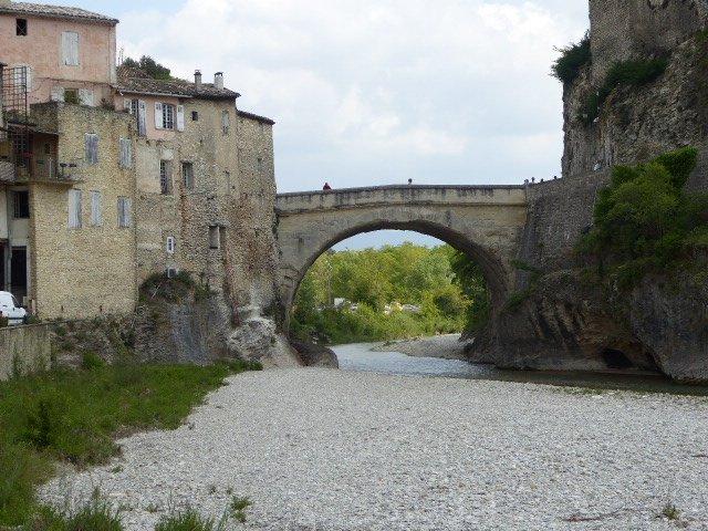Römerbrücke über die Ouvèze