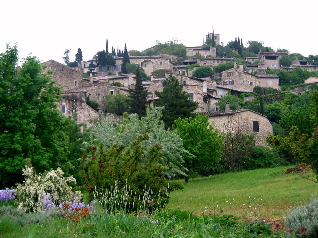 Blick ins Dorf Mirmande; Quelle: Béa, Wikipedia