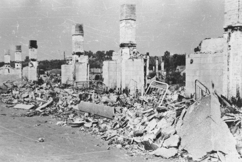 Zerstörtes Ghetto (USHMM)
