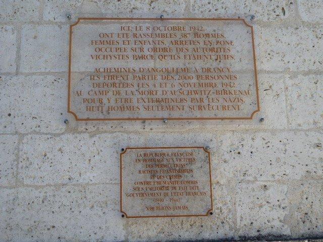 Erinnerungstafel an Razzia und Deportation