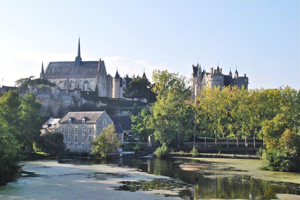 Altstadt mit Schloss; Quelle: ot-saumur.fr