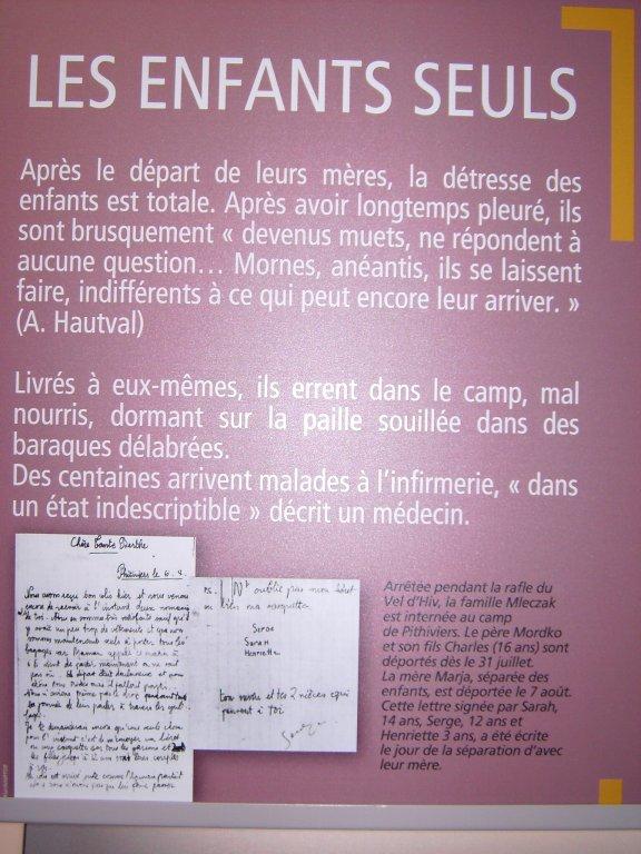 """""""Jetzt sind die Kinder allein"""" - Tafel im Cercil-Museum*)"""