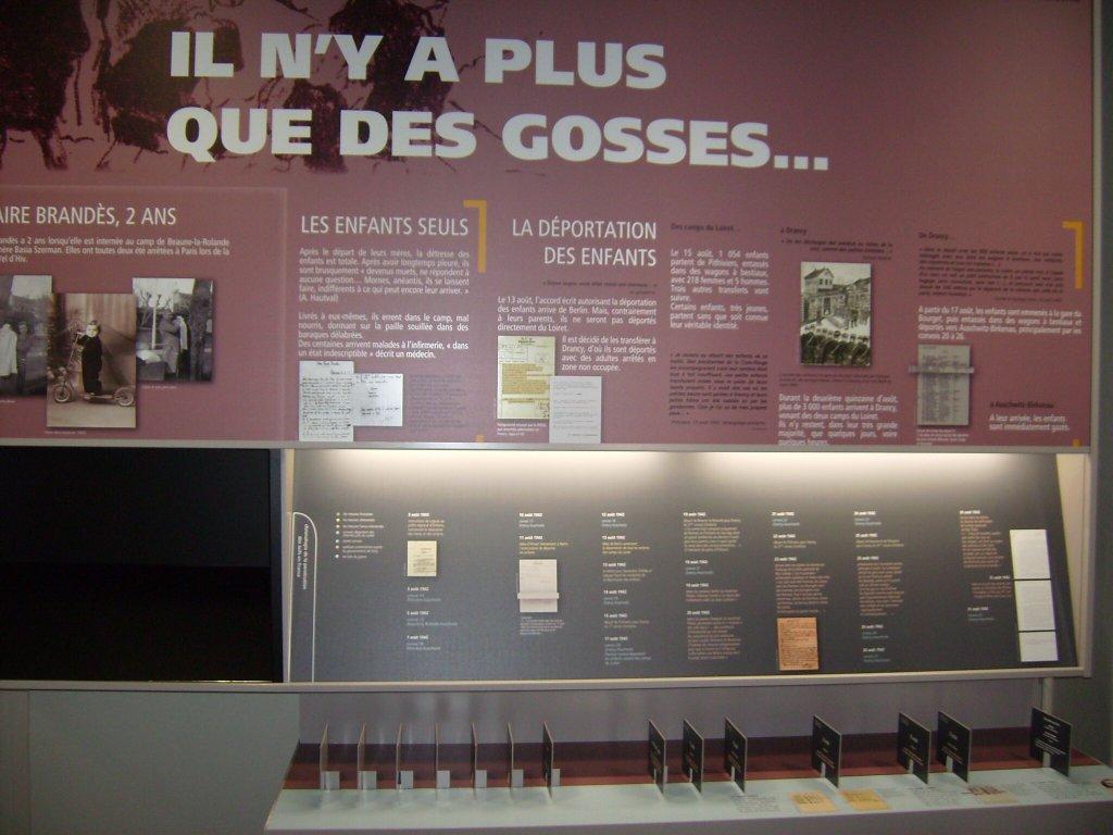 """""""Es gibt nur noch Kinder im Lager"""" - Tafel im Cercil-Museum, Orléans*)"""