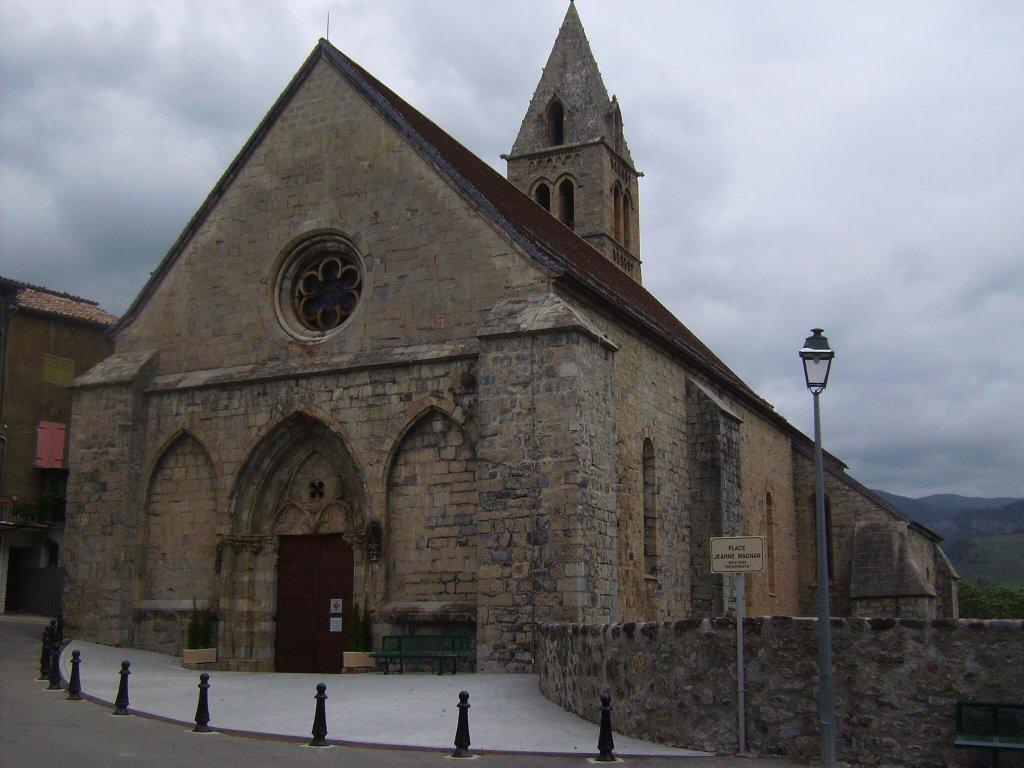 Bayons - Kirche