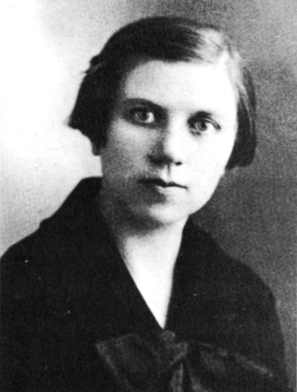 Ona Šimaitė ca. 1920 (Yad Vashem)