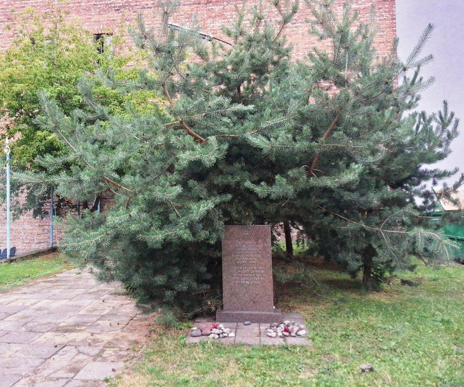 Gedenkstein am Ort der ehemaligen Lietūkis Garage