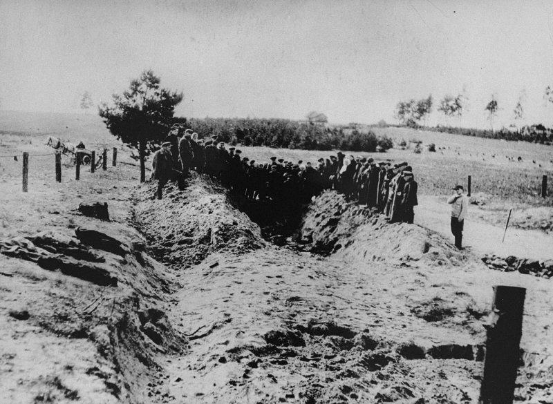 Massengrab IX. Fort (USHMM)