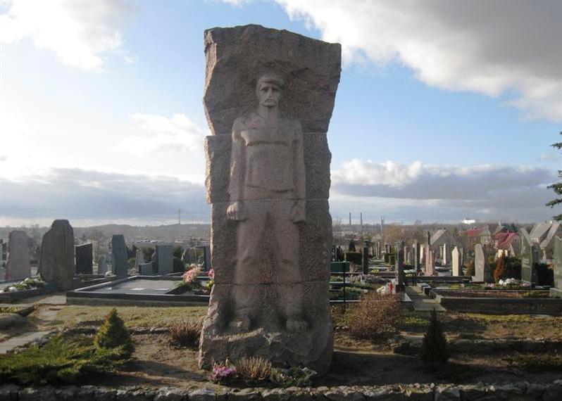 Denkmal auf dem Friedhof (kvr/J.P.)