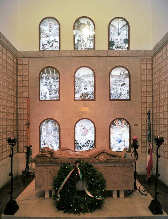 Sarkophag des unbekannten Internierten