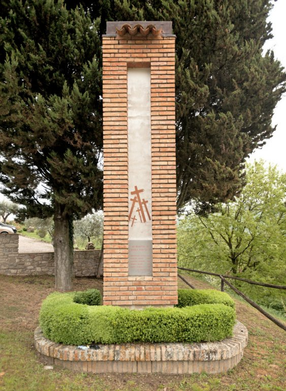 Monument in Serra Partucci