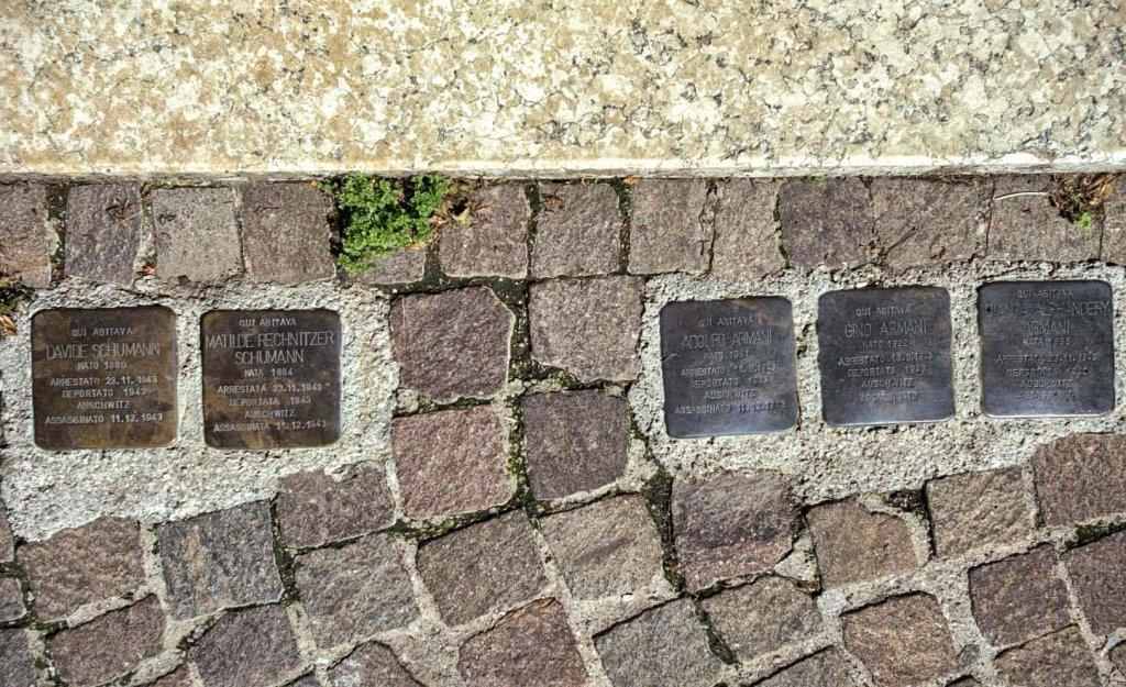Stolpersteine in der Via Ascoli 25