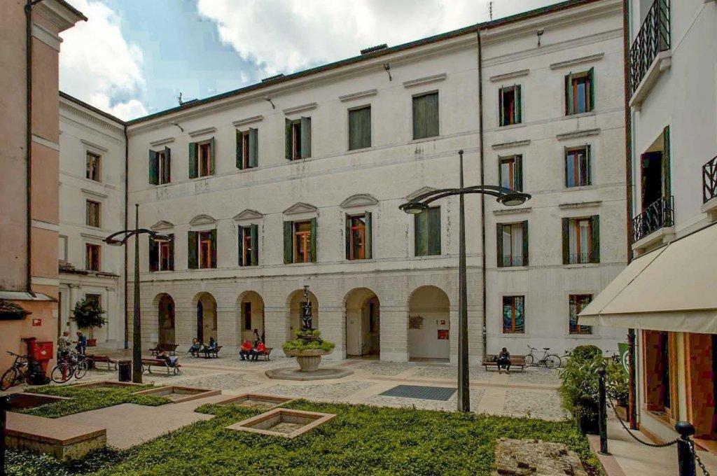 Treviso, Piazza del Quartiere Latino