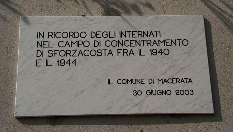 Gedenktafel am ehemaligen Lager
