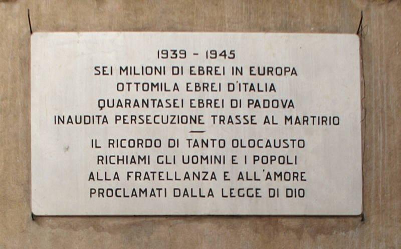 Gedenktafel an der Synagoge