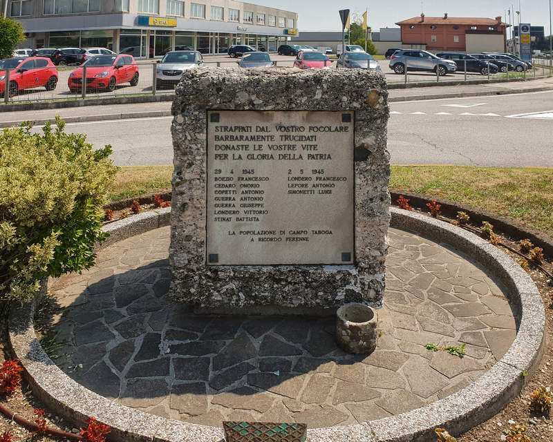 Gedenkstein an der Staatsstraße 13