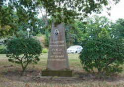 Gedenkstele für Jean de Neyman (© Thomas A. Schmidt)