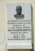 Gedenktafel für Don Giuseppe Bertini
