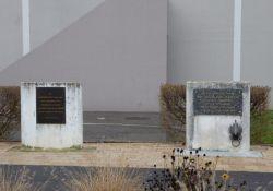 Gedenktafeln für Morineau und Tourquebiau