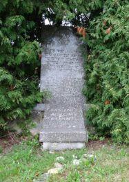 Gedenkstein mit Inschrift