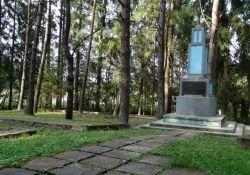 Denkmal und Massengräber