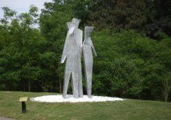 Figuren am Park