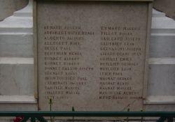 Totendenkmal: Tafel für tote Resistants und Deportierte