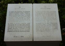Gedenkstein für die Betriebe