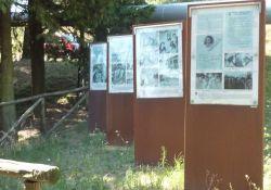 Informationstafeln im Vallino della Strage