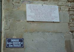 Tafel Louis Aragon u. Elsa Triolet