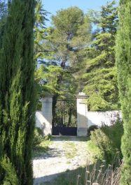 Jüdischer Friedhof, Eingangstor