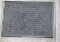 Gedenktafel an die Judendeportationen im Bahnhof