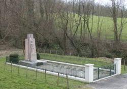 Denkmal der Erschossenen in Beauvoir; © G.A. Vitinger, genweb