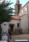 Kirche und Totendenkmal