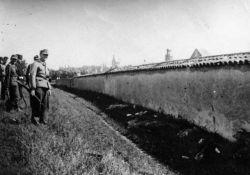 nach der Erschießung der sieben Geiseln; hist. Foto © archives@rhone.fr Mémorial de l'Oppression, 3808 W 107