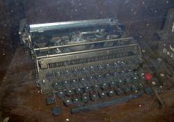Alte Schreibmaschine (© www.porri.eu)
