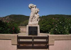 Denkmal in Arone