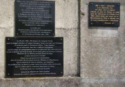 Gedenktafeln am Bahnhof