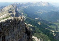 Schroffe Bergabstürze im östlichen Vercors; Quelle: Wikipedia