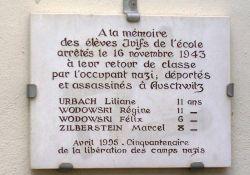 Gedenktafel an Schule Quai Jules Philippe