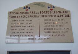 Gedenktafel an NS-Opfer in der Rathaushalle